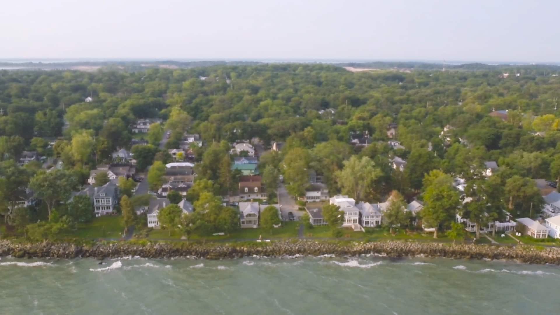 cottage-lakeside